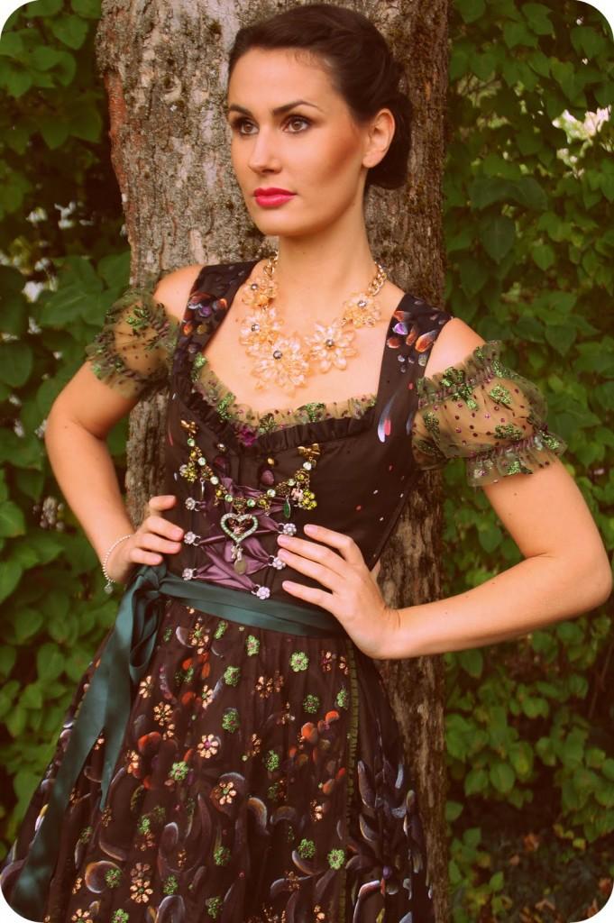 LolaPaltinger_Wiesn_Dirndl_Tracht_Oktoberfest_München_Couture_Fashion48