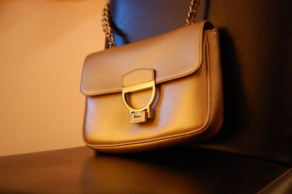 Taschen_Coccinelle_Fashion_Handbags_Clutch_Partybag_Details20