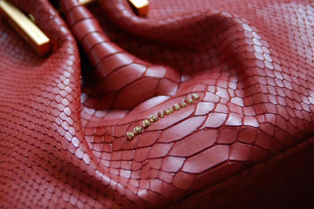 Taschen_Coccinelle_Fashion_Handbags_Clutch_Partybag_Details36