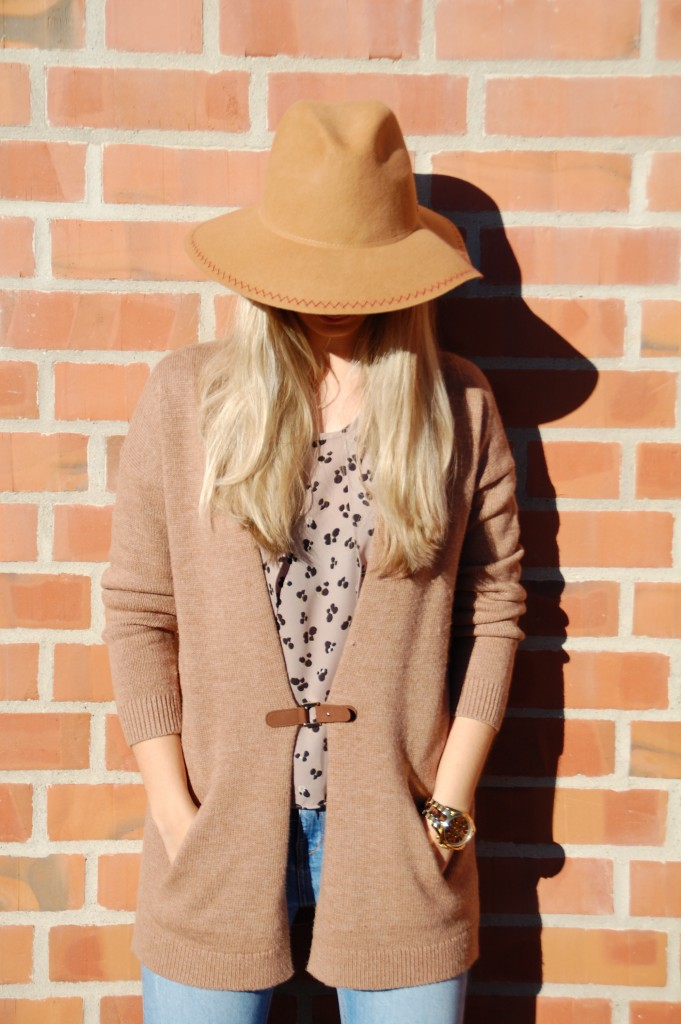 Fashion_Esprit_Imperfect_Mode_Cardigan_Hut_Outfit2