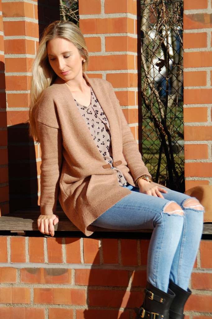 Fashion_Esprit_Imperfect_Mode_Cardigan_Hut_Outfit3