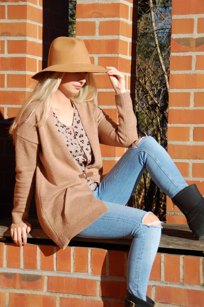 Fashion_Esprit_Imperfect_Mode_Cardigan_Hut_Outfit4