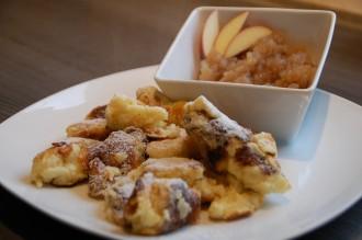 Kaiserschmarren_Nachspeise_Dessert_Flambiert_Rezept_Kompott_Apfelkompott_Essen_Food_Nachtisch18