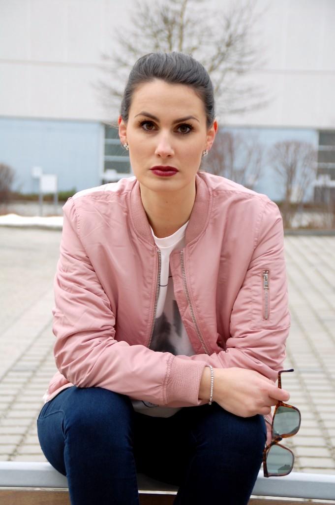 Bomberjacke_Blouson_Fashion_Mode_Bomberjacket_Jacke_Street_Style21