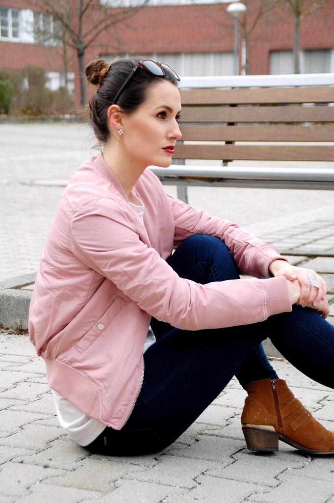 Bomberjacke_Blouson_Fashion_Mode_Bomberjacket_Jacke_Street_Style23