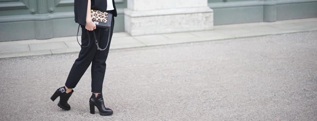 Fashion_Black_White_Minimalistic_Spring_Mode_München16