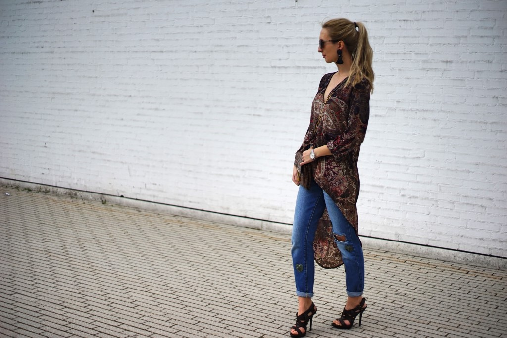 Fashion_Denim_Mom_Jeans_Spring_Outfit_Blouse10