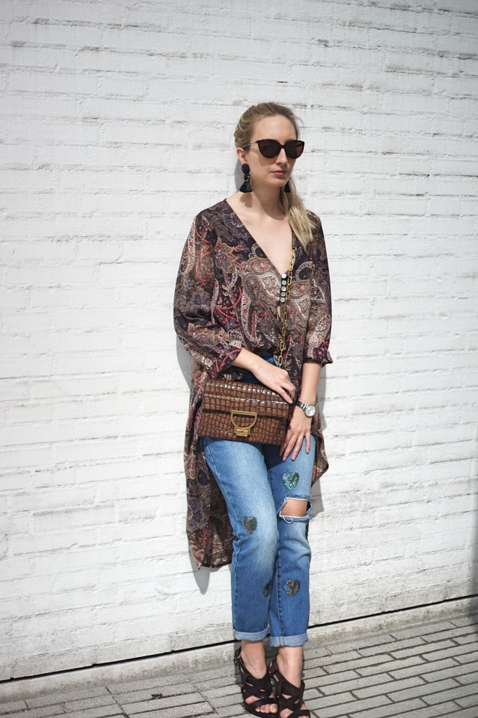 Fashion_Denim_Mom_Jeans_Spring_Outfit_Blouse2