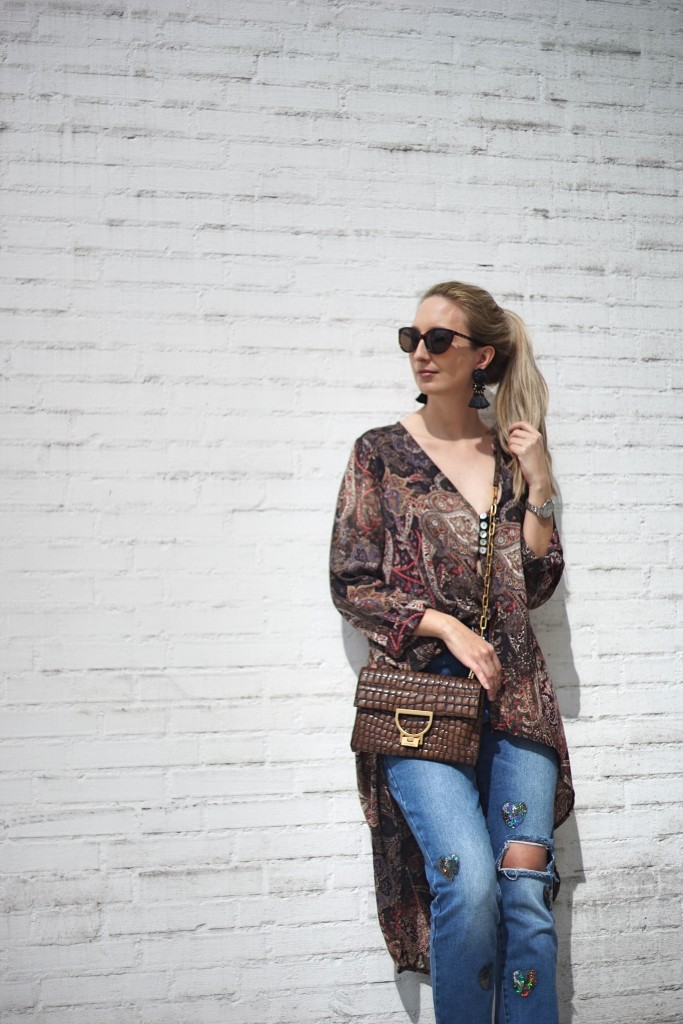 Fashion_Denim_Mom_Jeans_Spring_Outfit_Blouse3