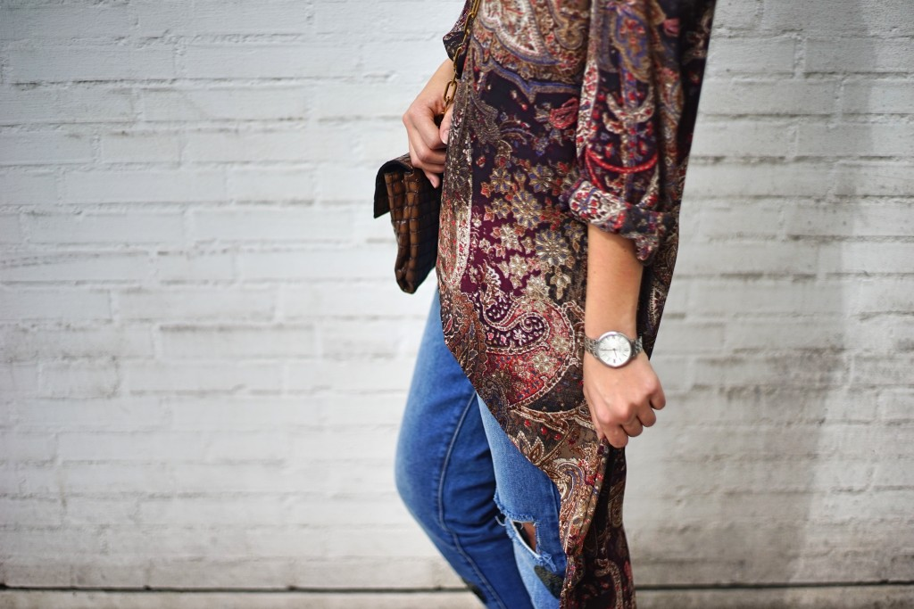 Fashion_Denim_Mom_Jeans_Spring_Outfit_Blouse6