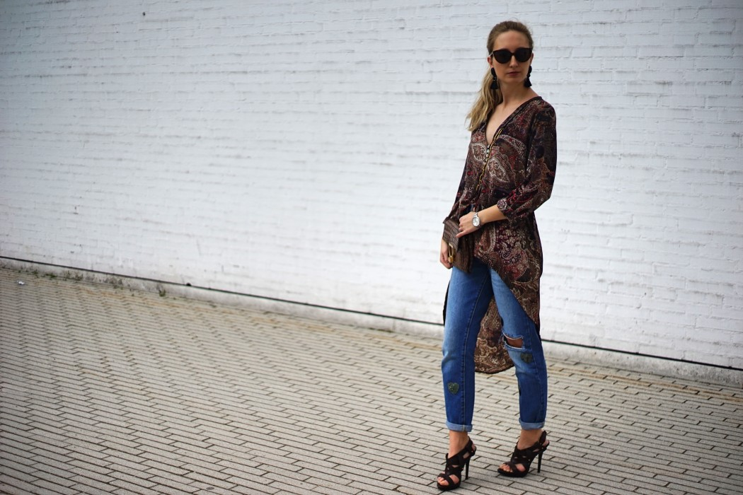 Fashion_Denim_Mom_Jeans_Spring_Outfit_Blouse9