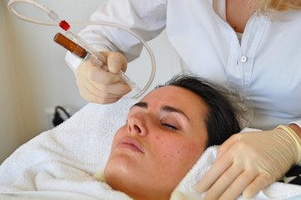 JetPeel_Beauty_Behandlung_Treatment_Hyaloronsäure_Faltenreduktion_Akne10
