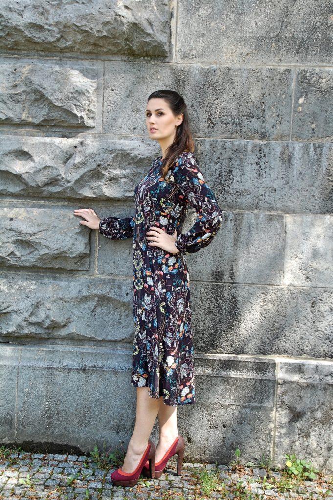 Midikleid_Midi_Fashion_Dress_Kleid_Vintage_Blumenprint_Muster_Blumenkleid6