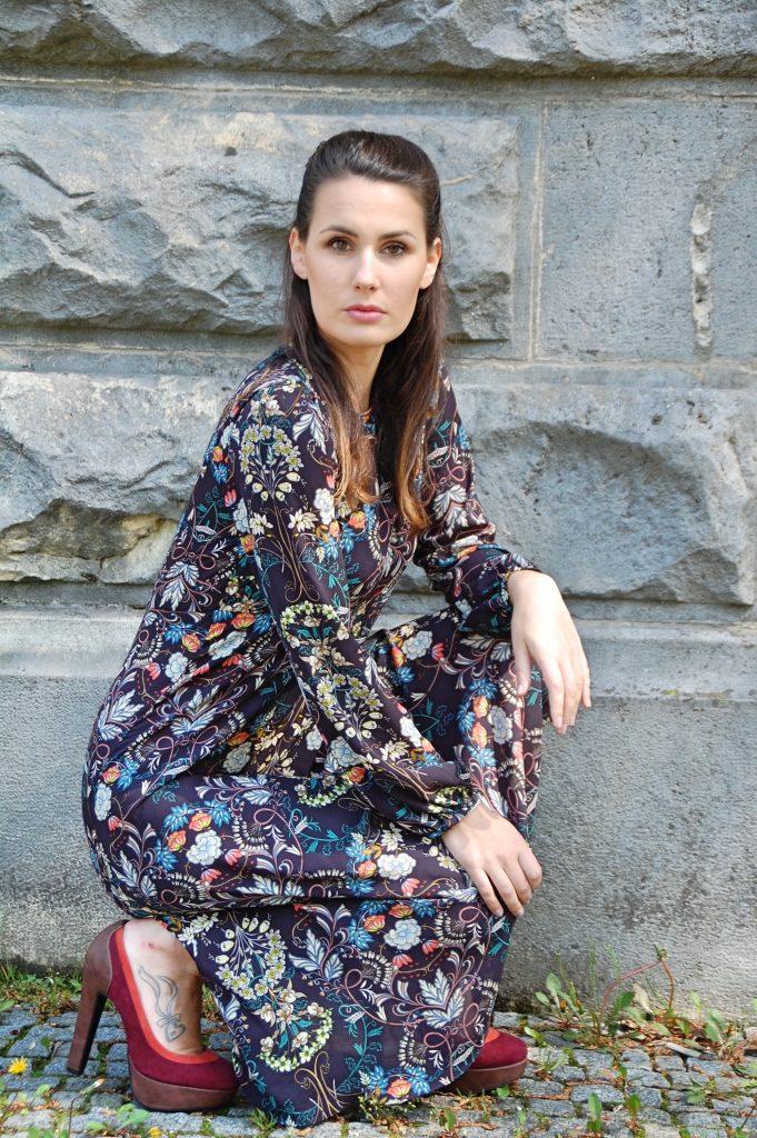 Midikleid_Midi_Fashion_Dress_Kleid_Vintage_Blumenprint_Muster_Blumenkleid7