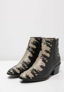 Chelsea Boots in Schlangenlederoptik