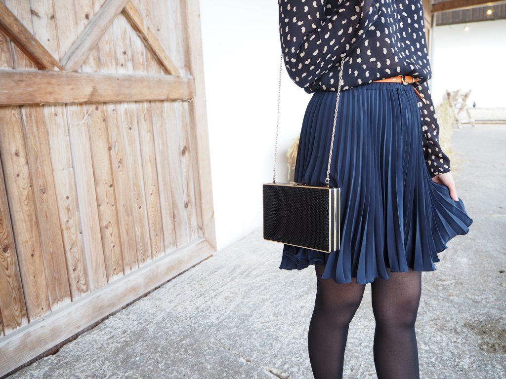 Fashion_Pleated_Skirt_Plissee_Plisseerock_Trend_Outfit9.jpg