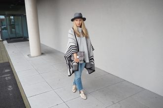 Poncho_Knit_Trend_Fashion_Fall_Denim14.jpg
