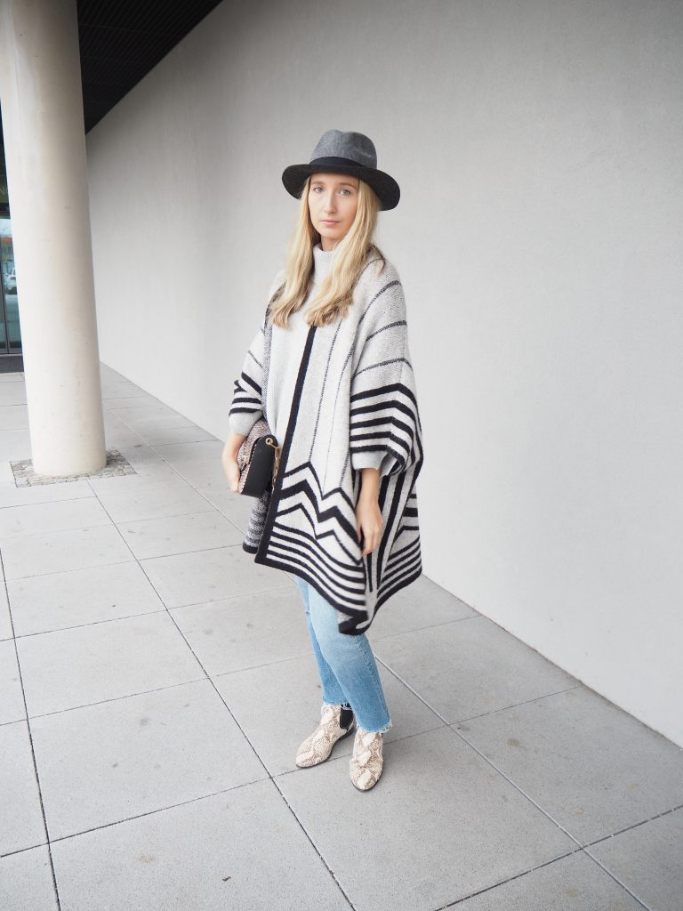 Poncho_Knit_Trend_Fashion_Fall_Denim3.jpg