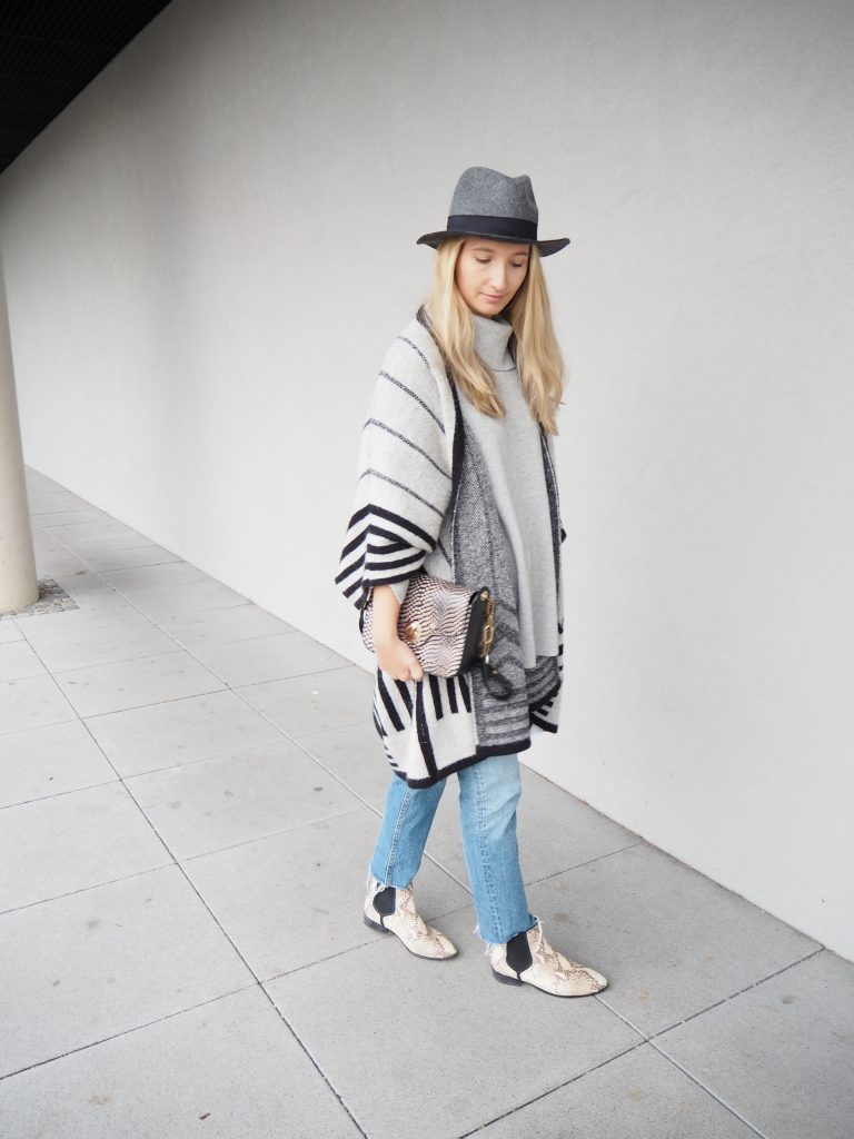 Poncho_Knit_Trend_Fashion_Fall_Denim5.jpg