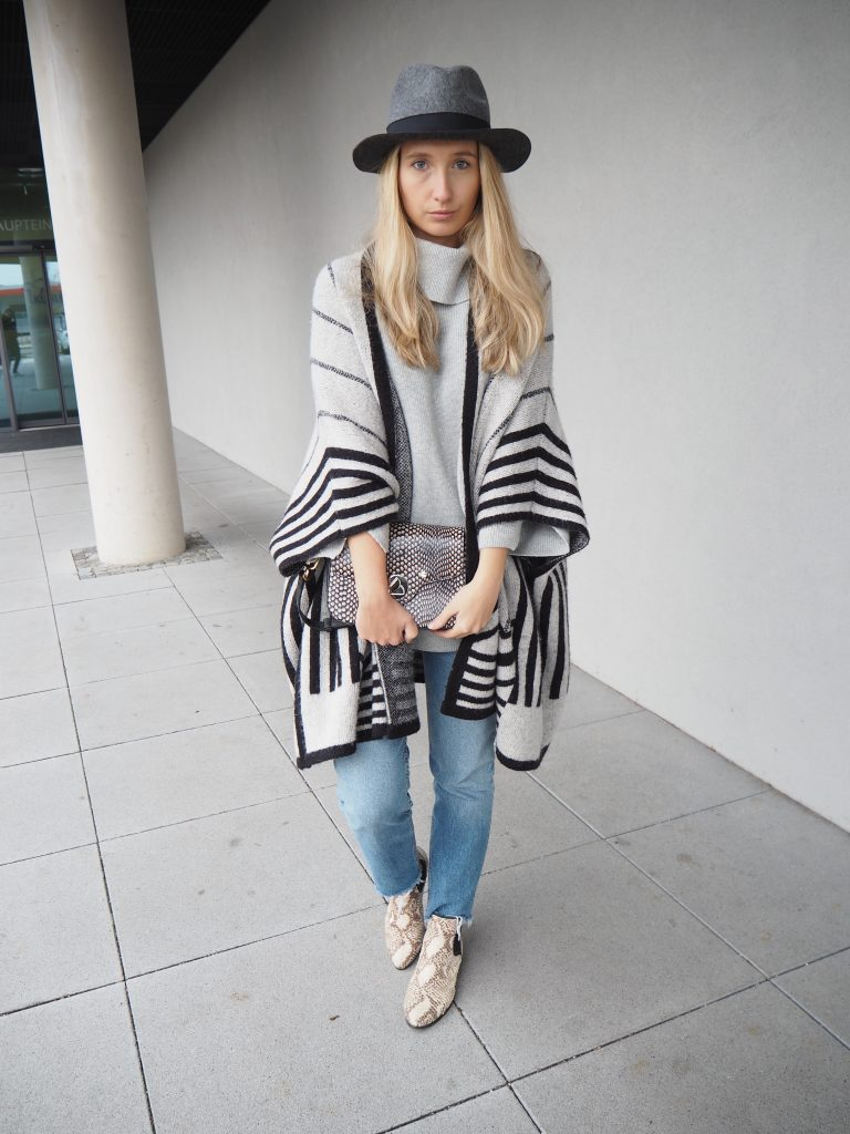 Poncho_Knit_Trend_Fashion_Fall_Denim6.jpg