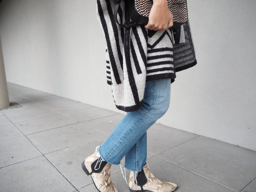 Poncho_Knit_Trend_Fashion_Fall_Denim8.jpg