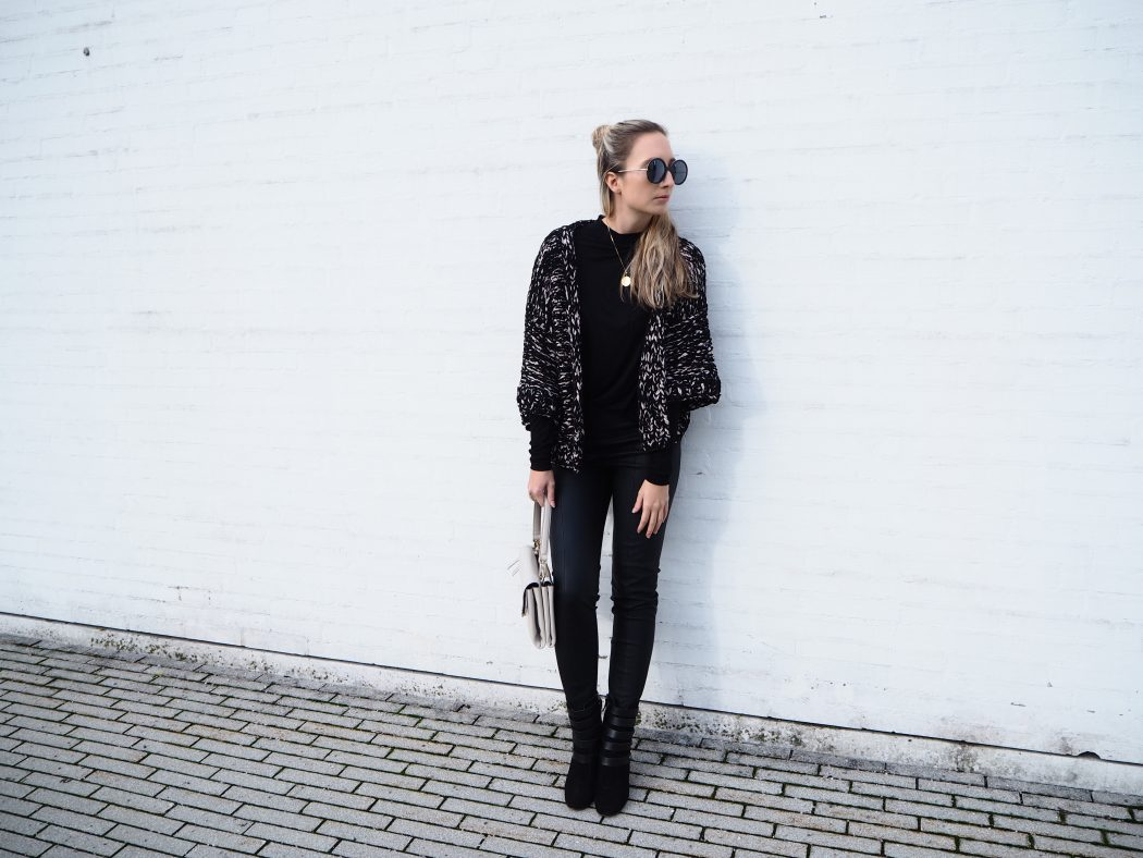 Schwarz_All_Black_Look_Fashion_Komplettlook8.jpg