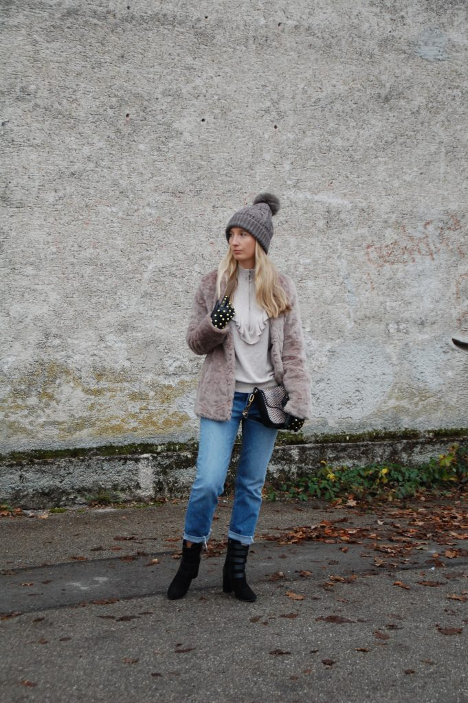 Fake_Fur_Denim_Casual_Look_Outfit_Volants_3