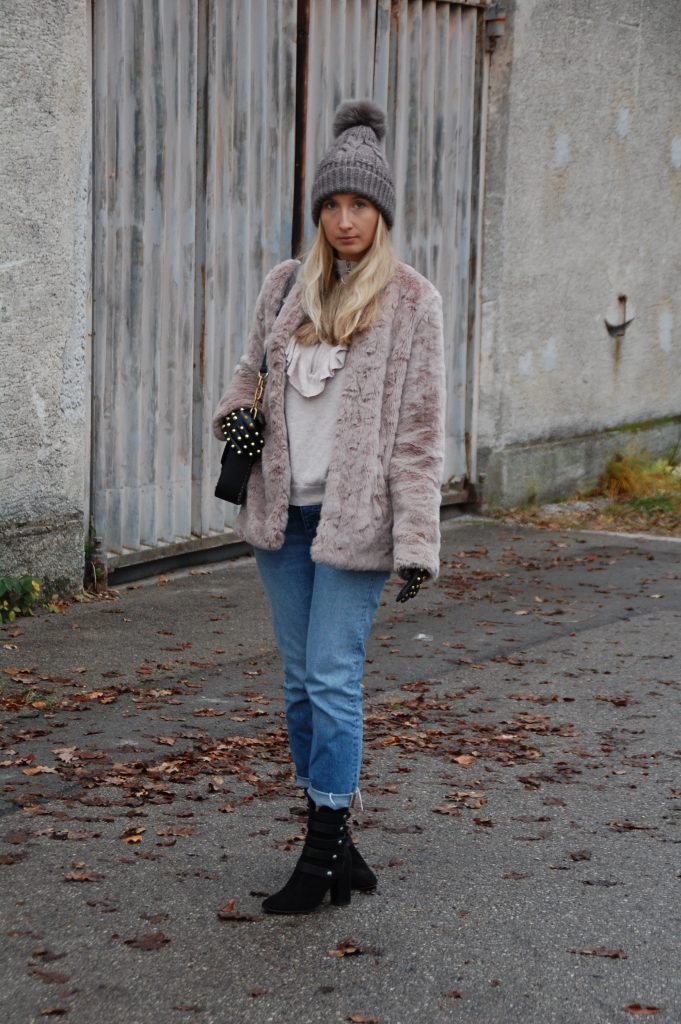 Fake_Fur_Denim_Casual_Look_Outfit_Volants_6