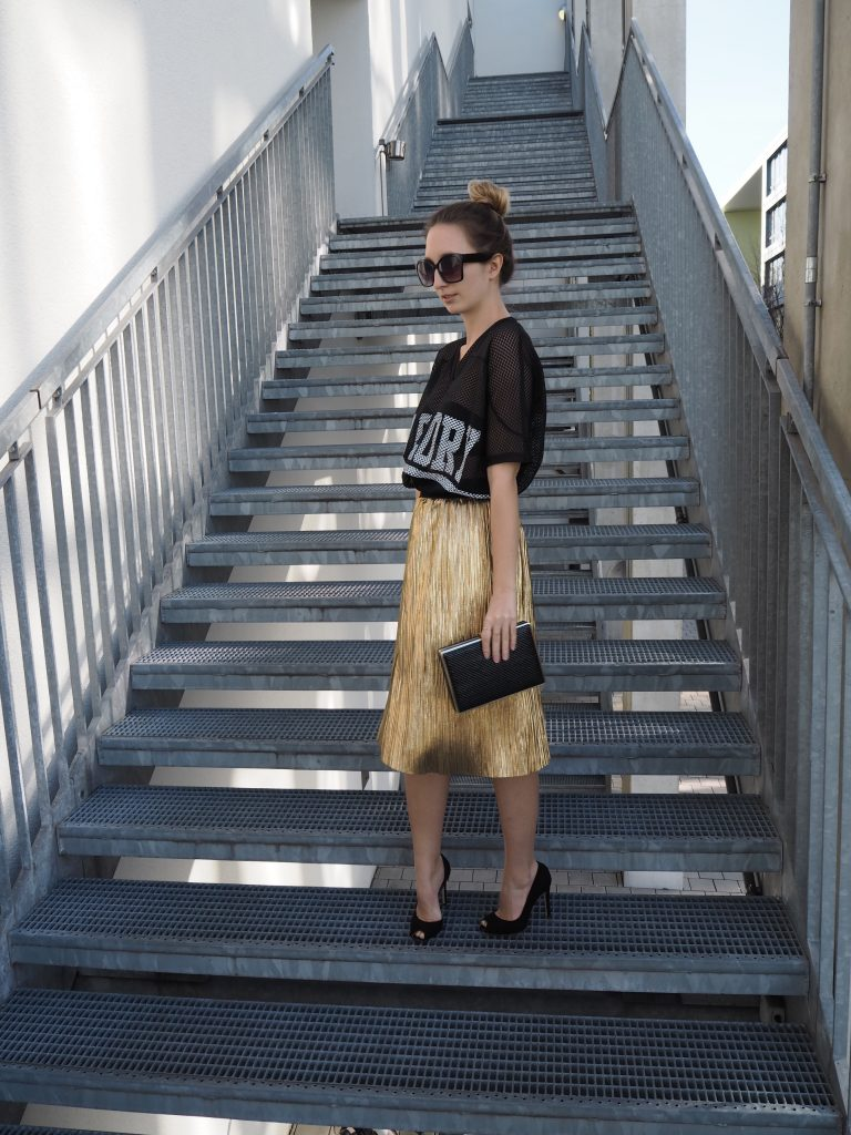 Golden_Pleated_Skirt_Goldener_Plisseerock_Fashionblog_Styleblog_Outfit4.jpg