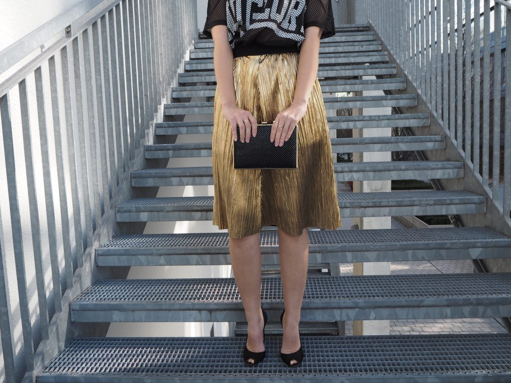 olden_Pleated_Skirt_Goldener_Plisseerock_Fashionblog_Styleblog_Outfit7.jpg