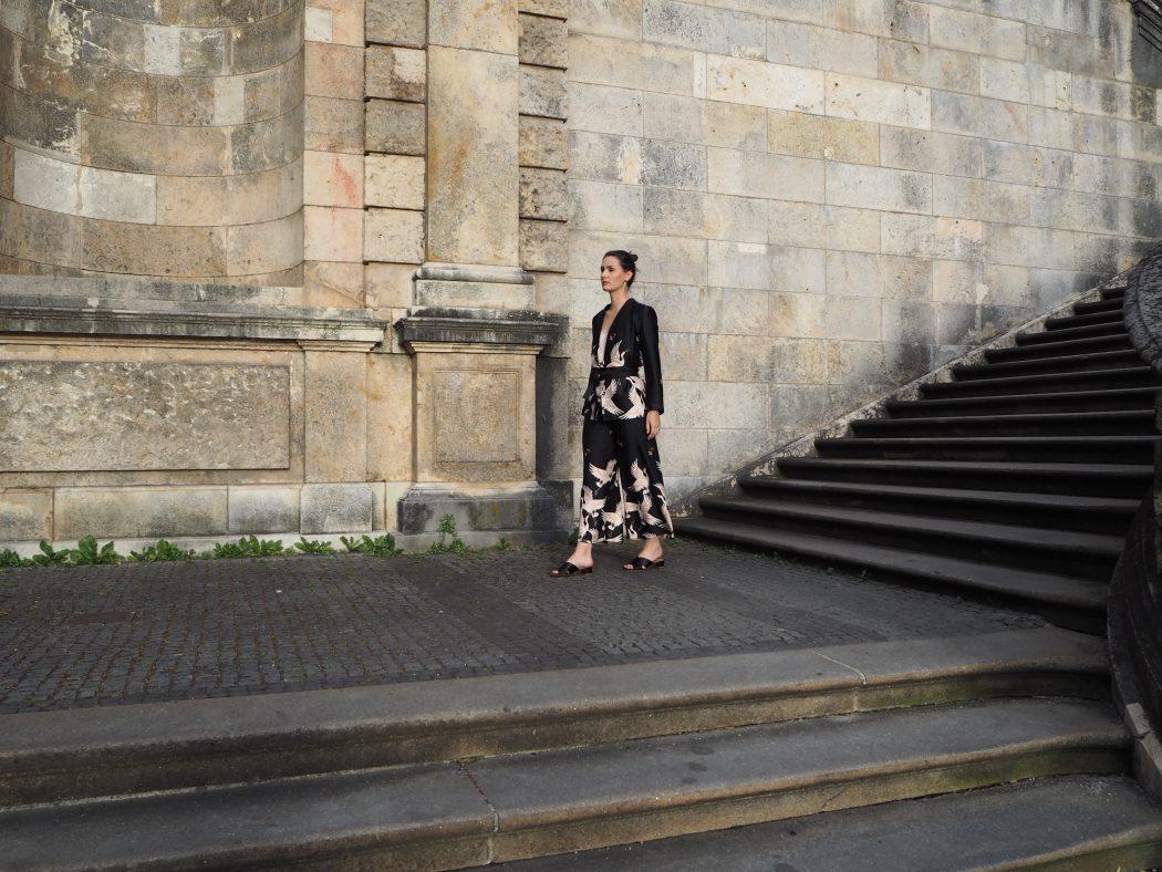 Kimono Hosenanzug mit Kranich Print