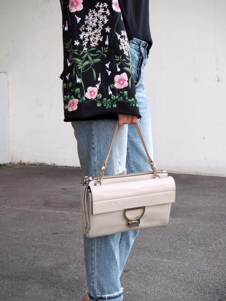 Sweater_Floral_Print_Glockenaermel_Summer_Trend_Sommersale19.jpg