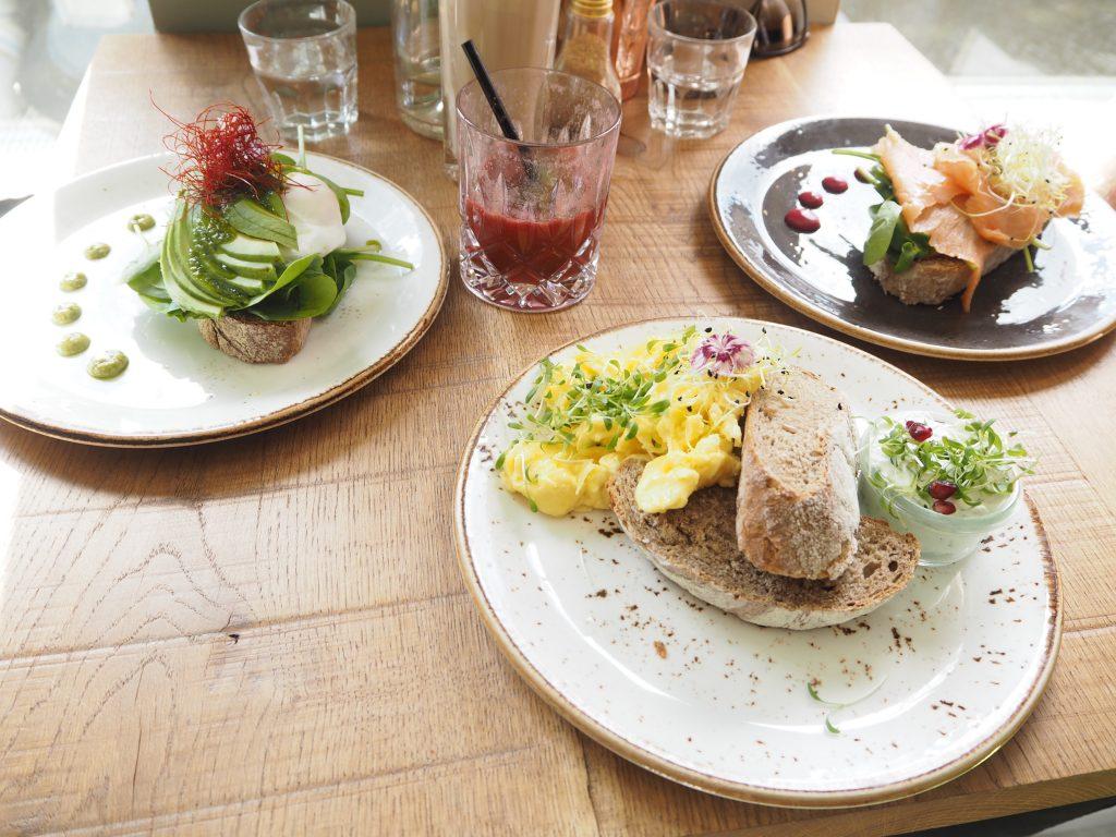 Frühstück in der Nord Coast Roastery in Hamburg